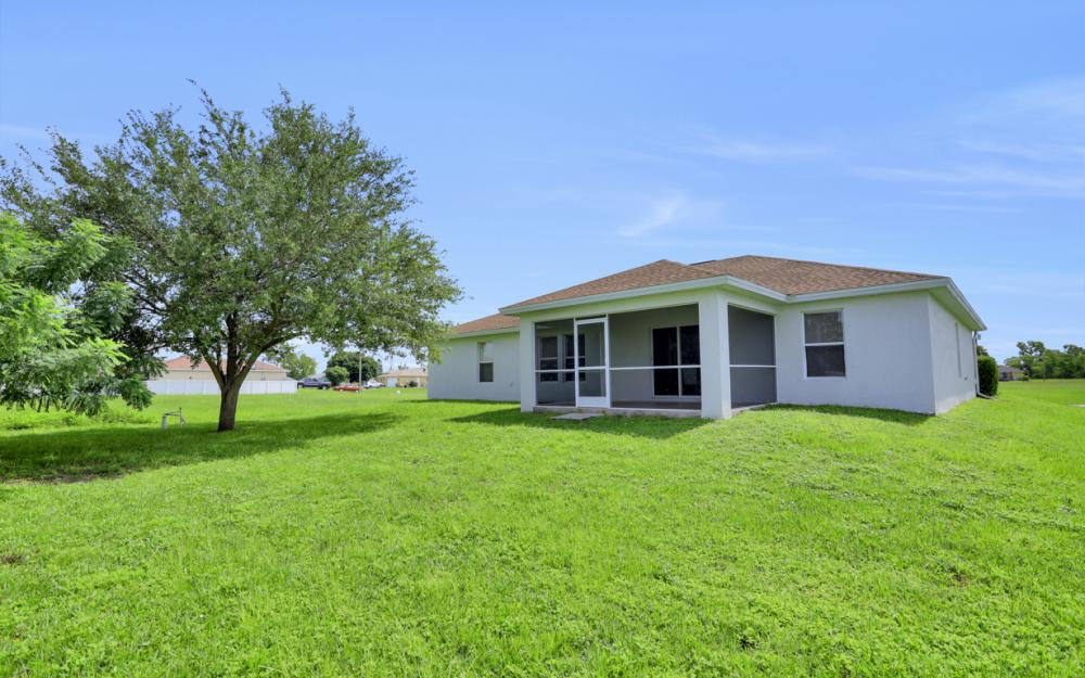 924 NE 4th Pl, Cape Coral - Home For Sale 842083610