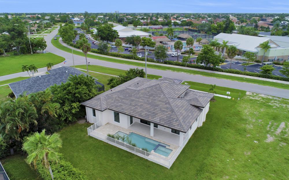 140 Sand Hill St Marco Island - Home For Sale 943369954