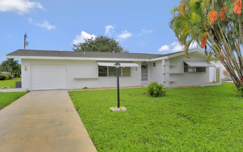 5207 Rutland Ct , Cape Coral - Home For Sale 376090283