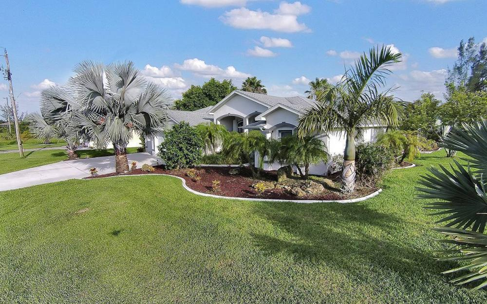 1732 SW 40th Ter, Cape Coral - House For Sale 1419749640