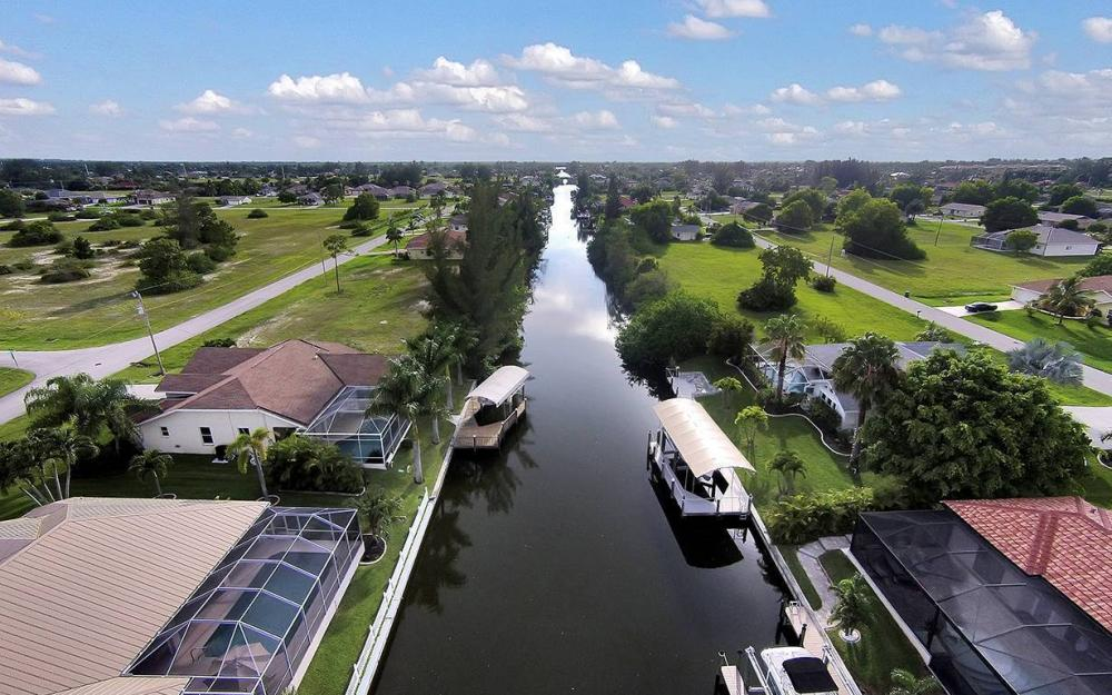 1732 SW 40th Ter, Cape Coral - House For Sale 2005534735