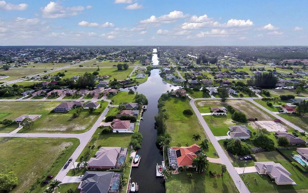1732 SW 40th Ter, Cape Coral - House For Sale 1316244974