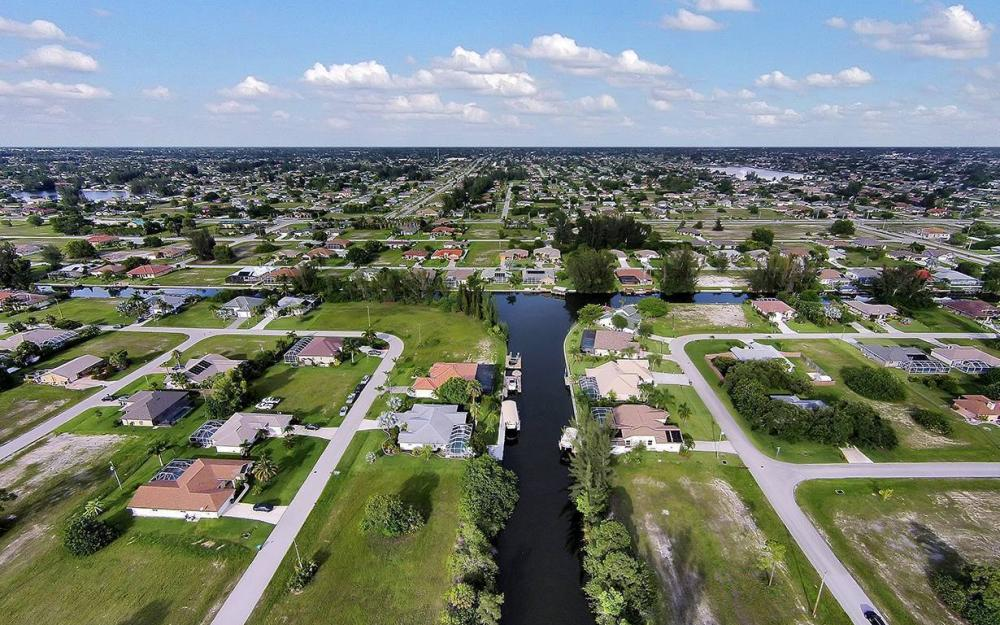1732 SW 40th Ter, Cape Coral - House For Sale 1024929726