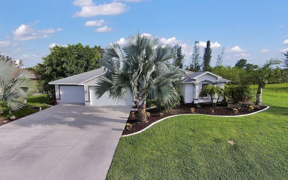 1732 SW 40th Ter, Cape Coral - House For Sale 821362630