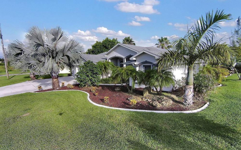 1732 SW 40th Ter, Cape Coral - House For Sale 1776025004