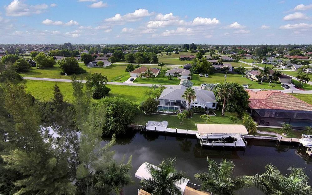 1732 SW 40th Ter, Cape Coral - House For Sale 1261524510