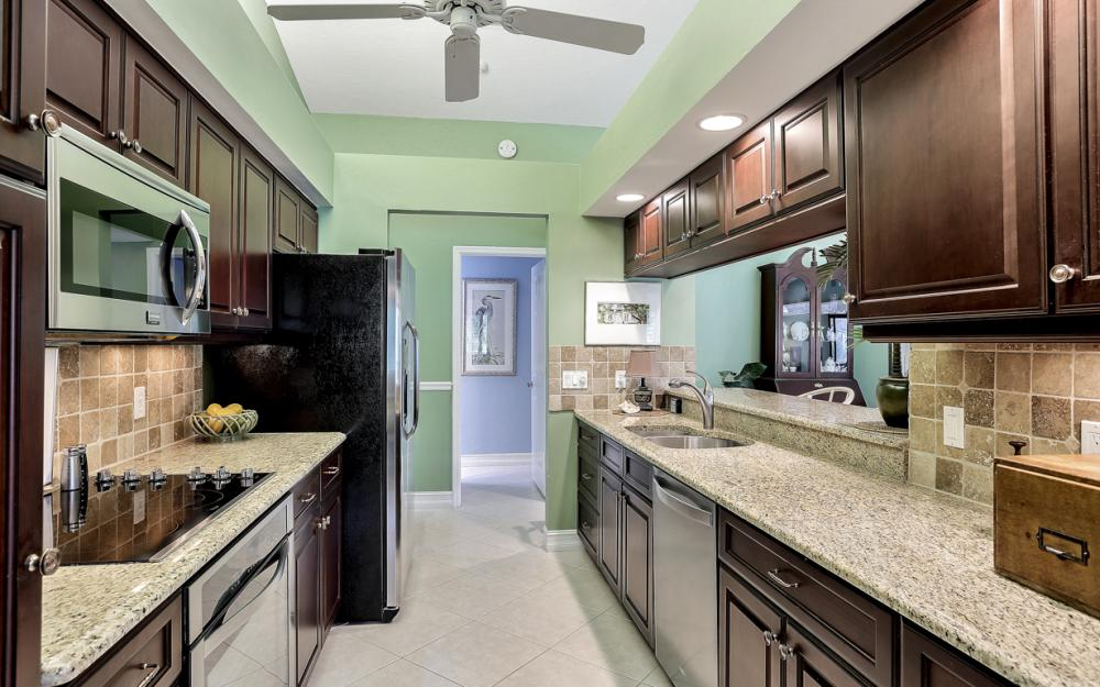 16686 Waters Edge Ct, Fort Myers - Home For Sale 237075812
