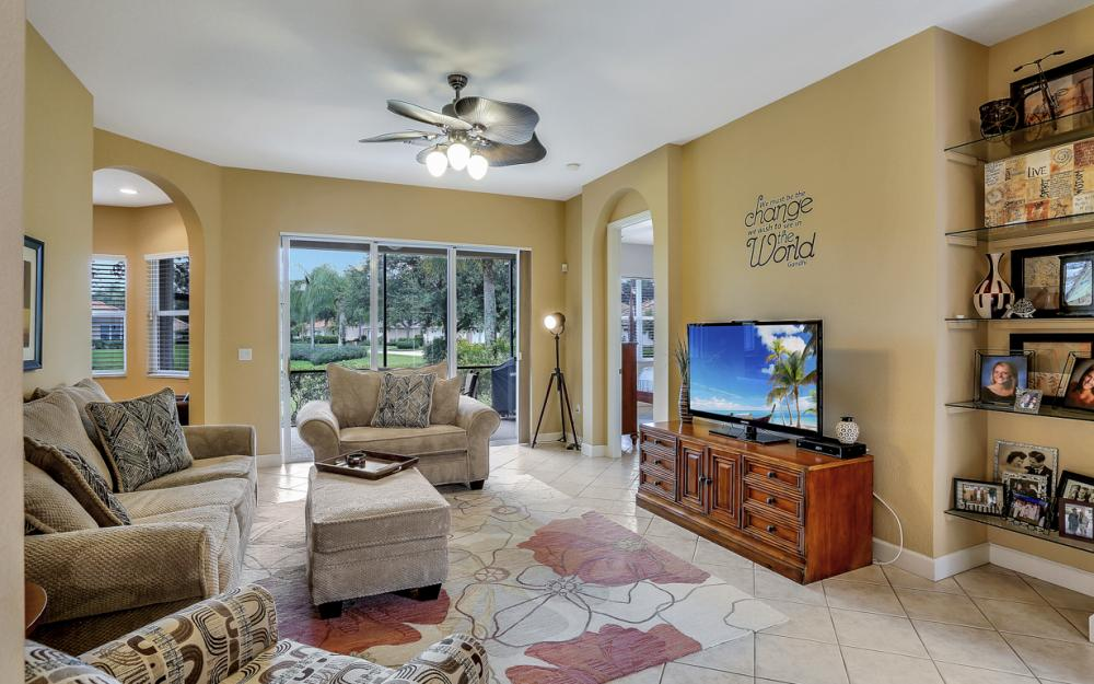 6254 Ashwood Ln, Naples - Home For Sale 129637763