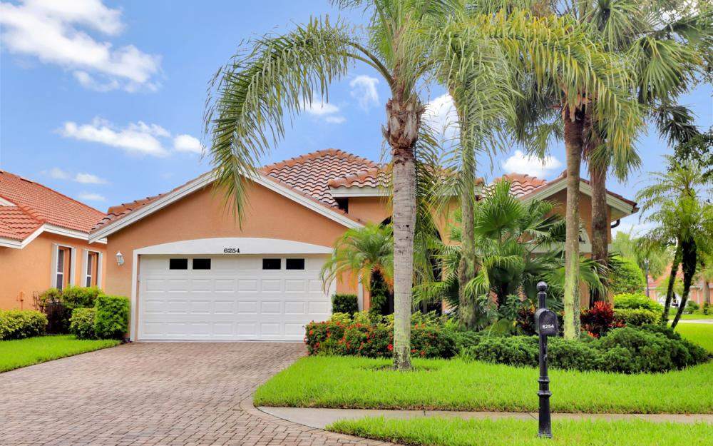 6254 Ashwood Ln, Naples - Home For Sale 359759231