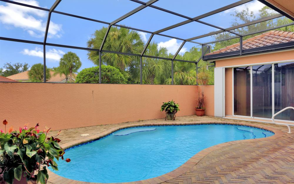 6254 Ashwood Ln, Naples - Home For Sale 330518140