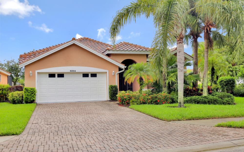 6254 Ashwood Ln, Naples - Home For Sale 2055184971