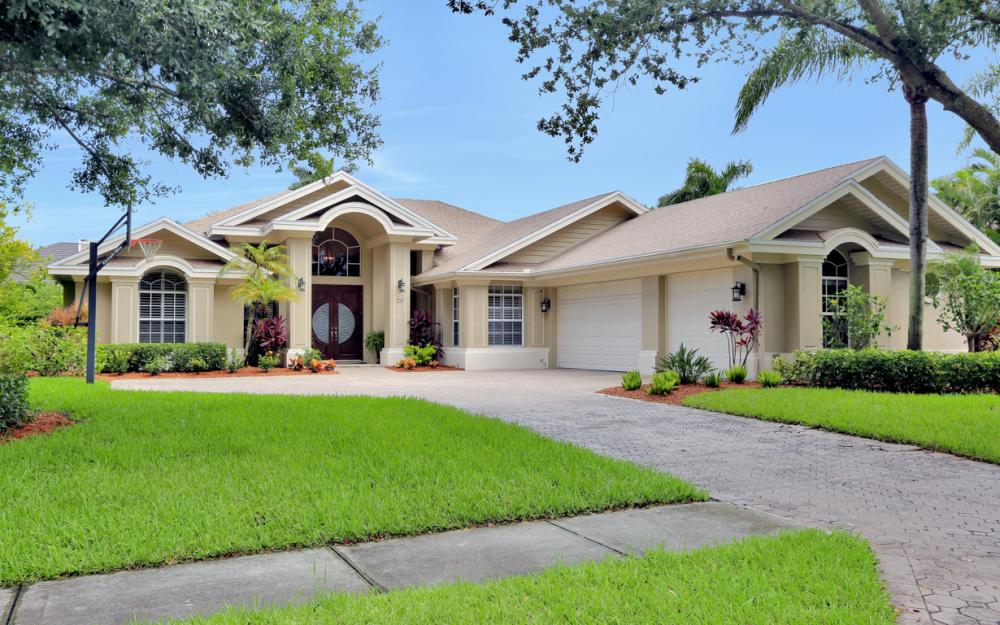 20 Winewood Ct, Fort Myers - Home For Sale 2032311562