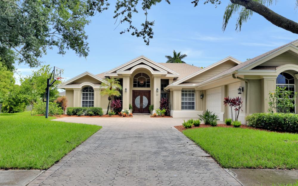 20 Winewood Ct, Fort Myers - Home For Sale 1970041103