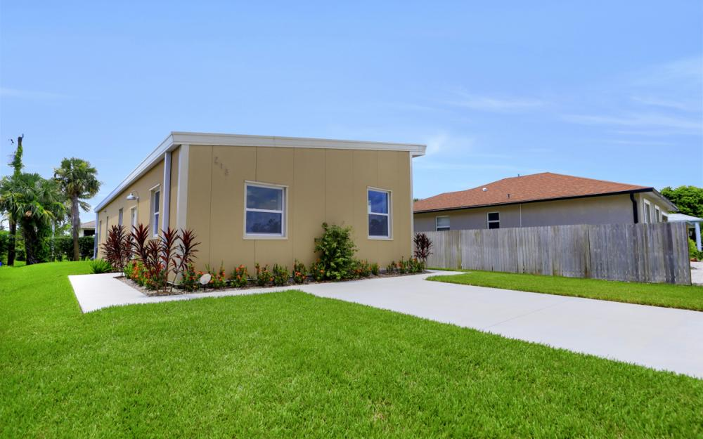 213 Benson St, Naples - Home For Sale 513890251