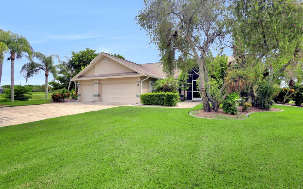 11863 King James Ct, Cape Coral - Home For Sale 643993817