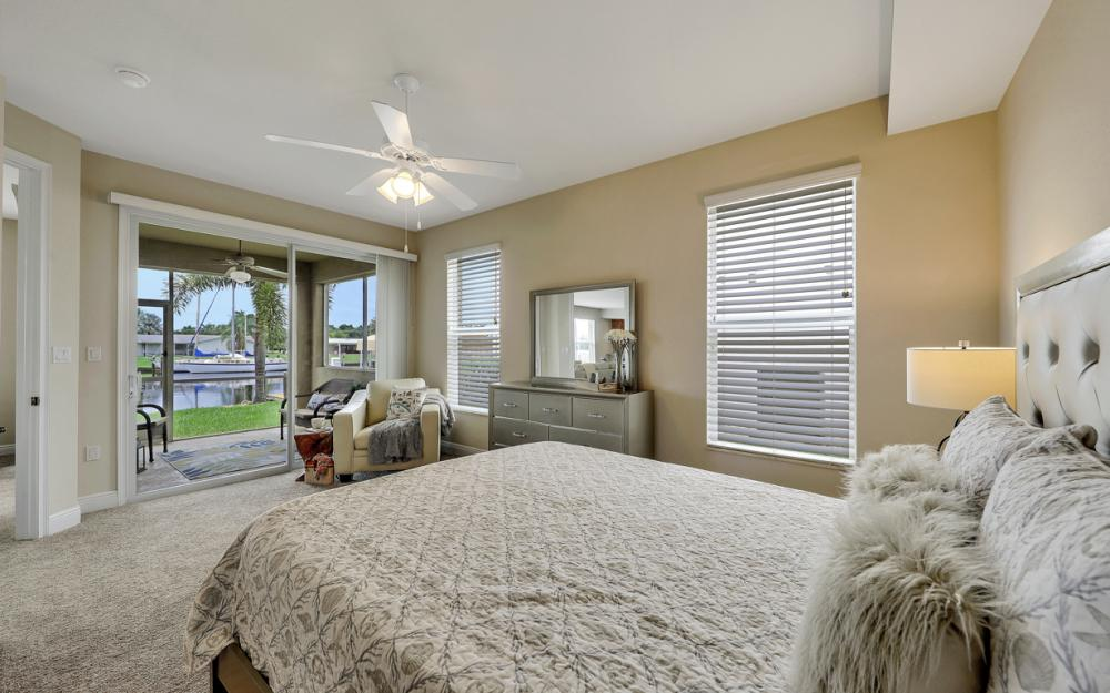 1640 Beach Pkwy, Cape Coral - Home For Sale 902982513