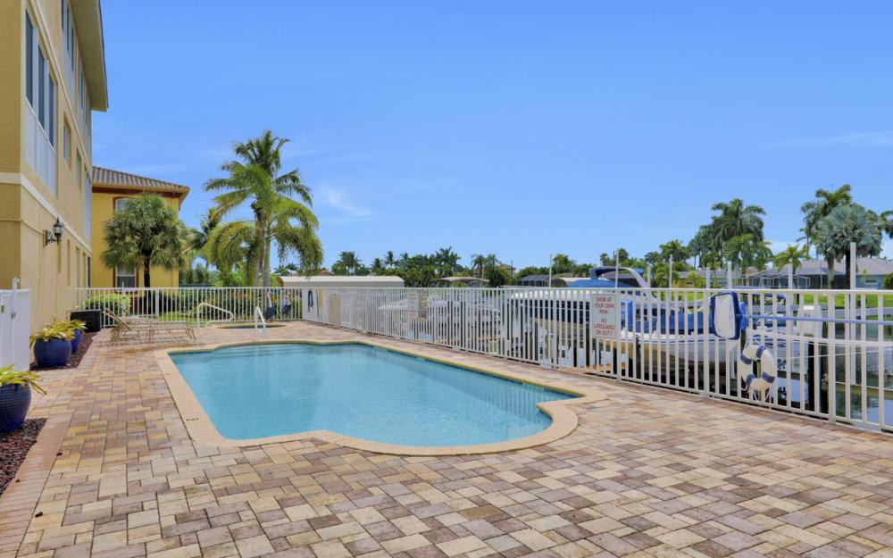 1640 Beach Pkwy, Cape Coral - Home For Sale 692197867