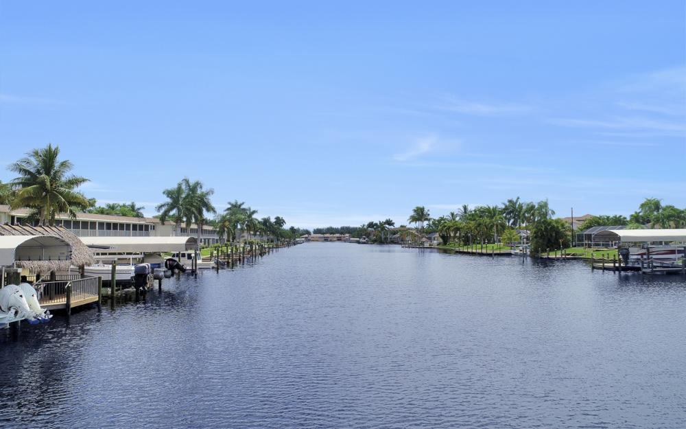 1640 Beach Pkwy, Cape Coral - Home For Sale 861342198