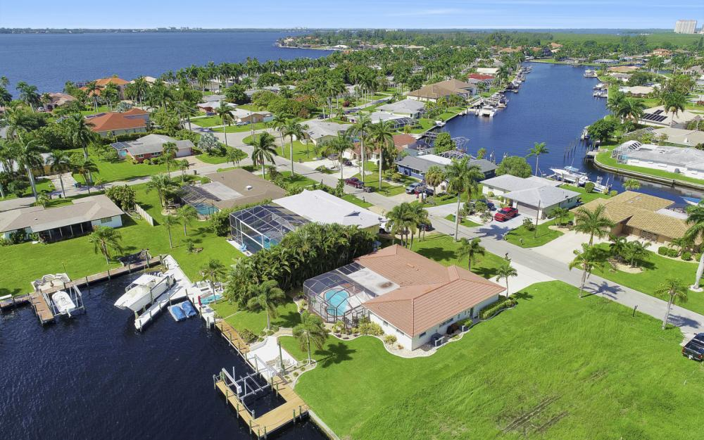 5353 Bayshore Ave Cape Coral - Home For Sale 1694245005