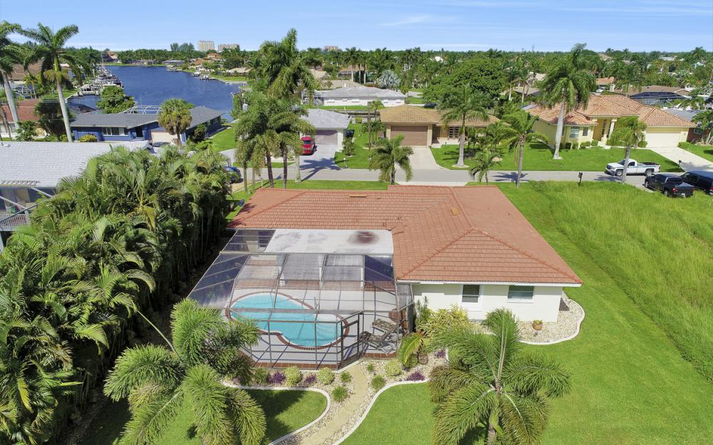 5353 Bayshore Ave Cape Coral - Home For Sale 164430398