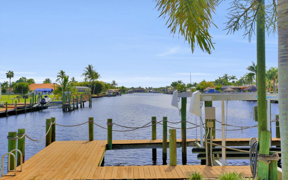 5353 Bayshore Ave Cape Coral - Home For Sale 1124440617
