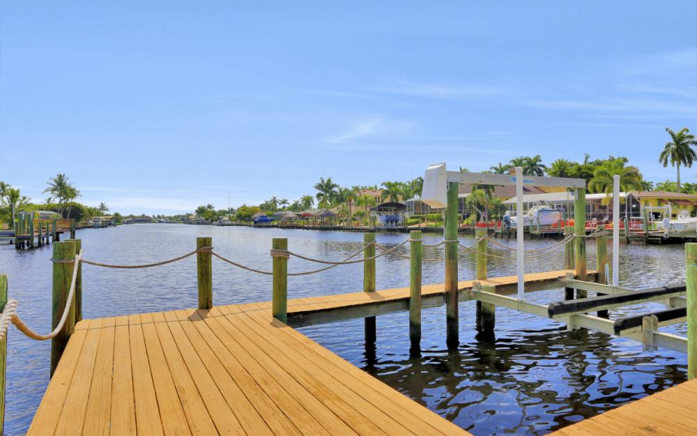 5353 Bayshore Ave Cape Coral - Home For Sale 673974997