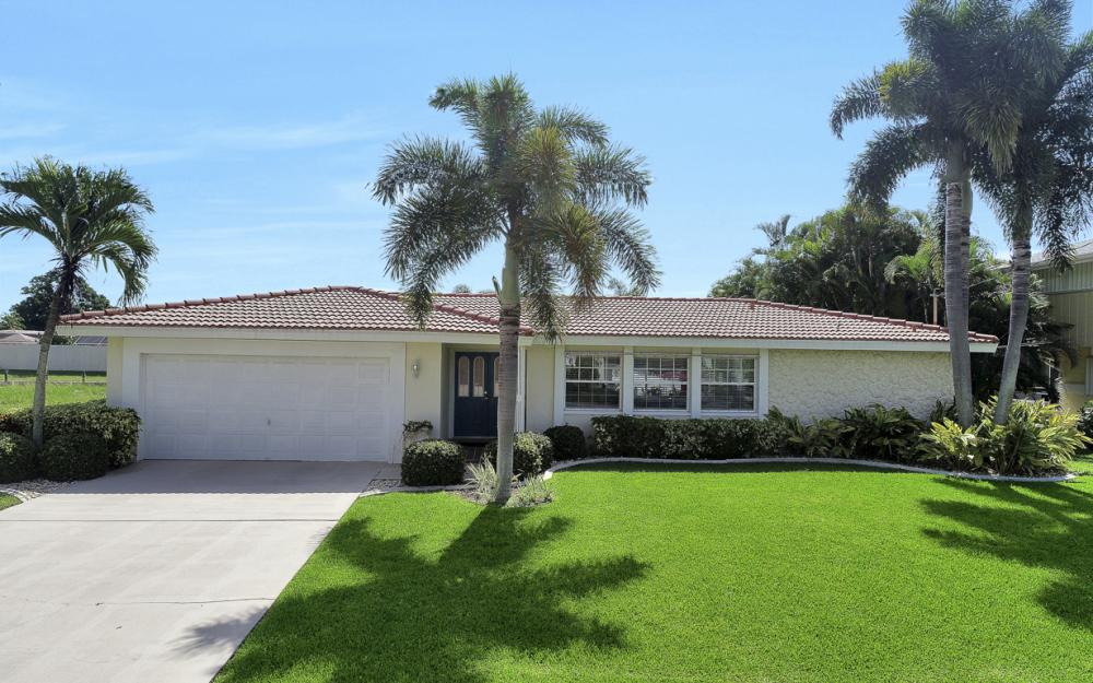 5353 Bayshore Ave Cape Coral - Home For Sale 1821126698