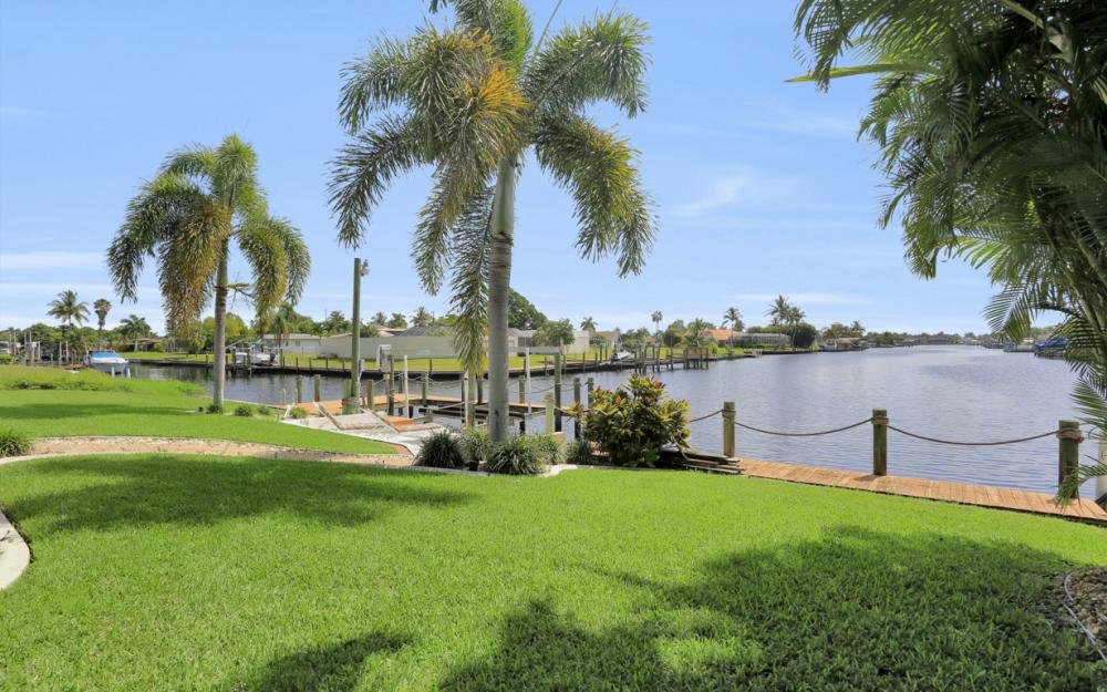 5353 Bayshore Ave Cape Coral - Home For Sale 160766917