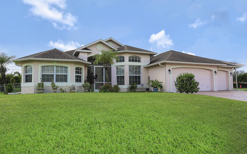 2334 SW Trafalgar Pkwy, Cape Coral - Home For Sale 1580370322