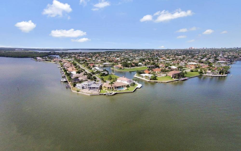 1881 Cascade Ct, Marco Island - House For Sale 831215481