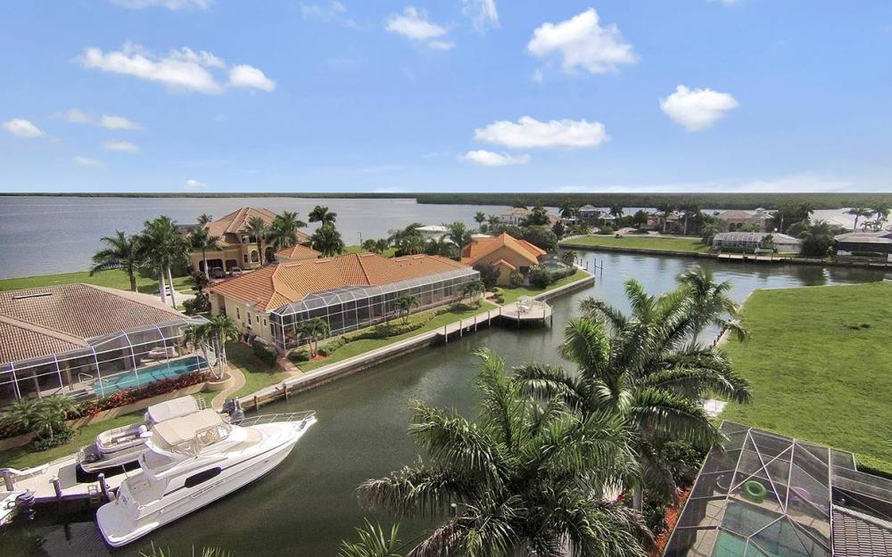 1881 Cascade Ct, Marco Island - House For Sale 1879621722