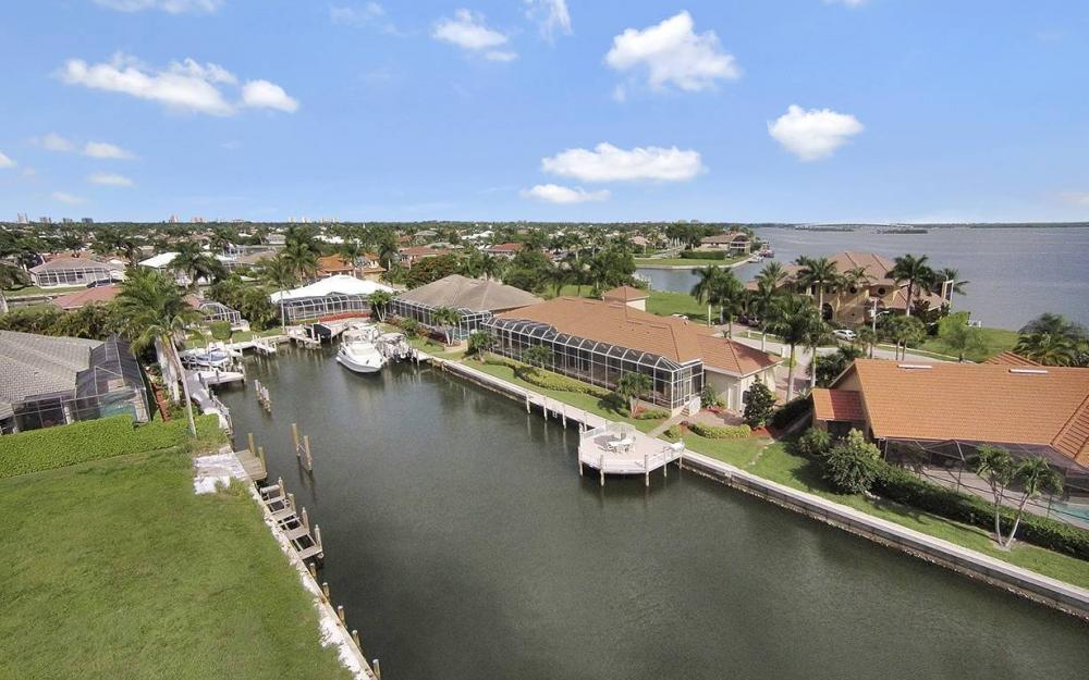 1881 Cascade Ct, Marco Island - House For Sale 2141215497
