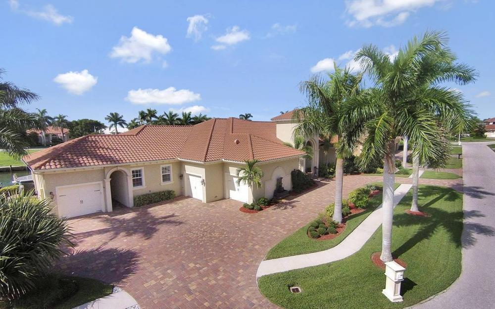 1881 Cascade Ct, Marco Island - House For Sale 1907634737