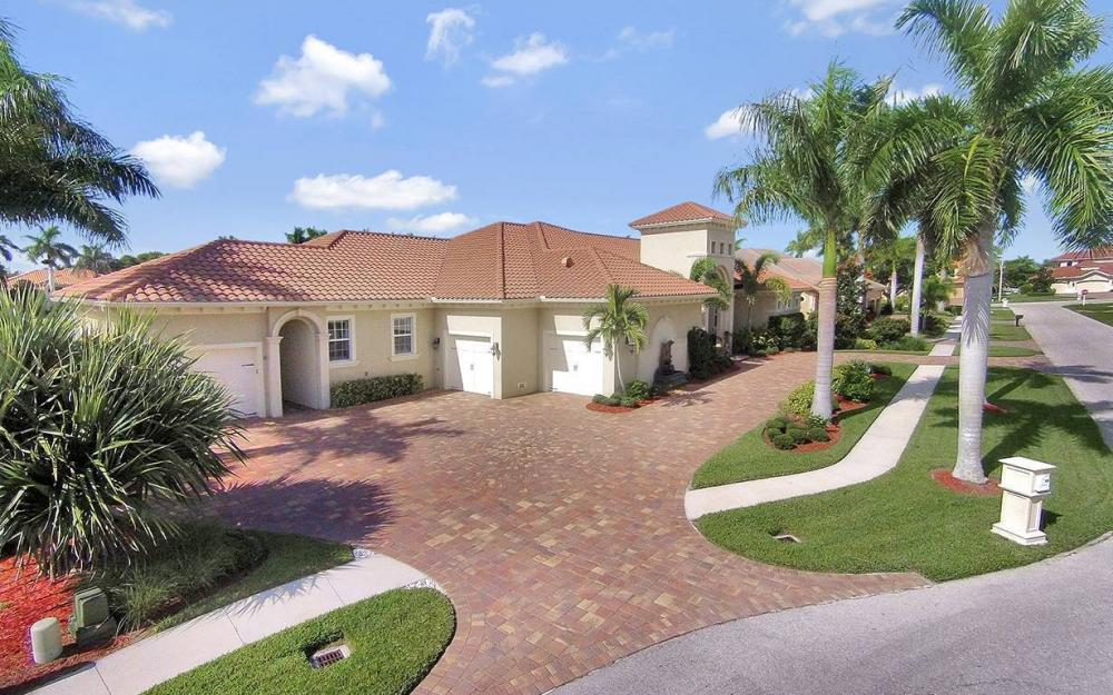 1881 Cascade Ct, Marco Island - House For Sale 121316777