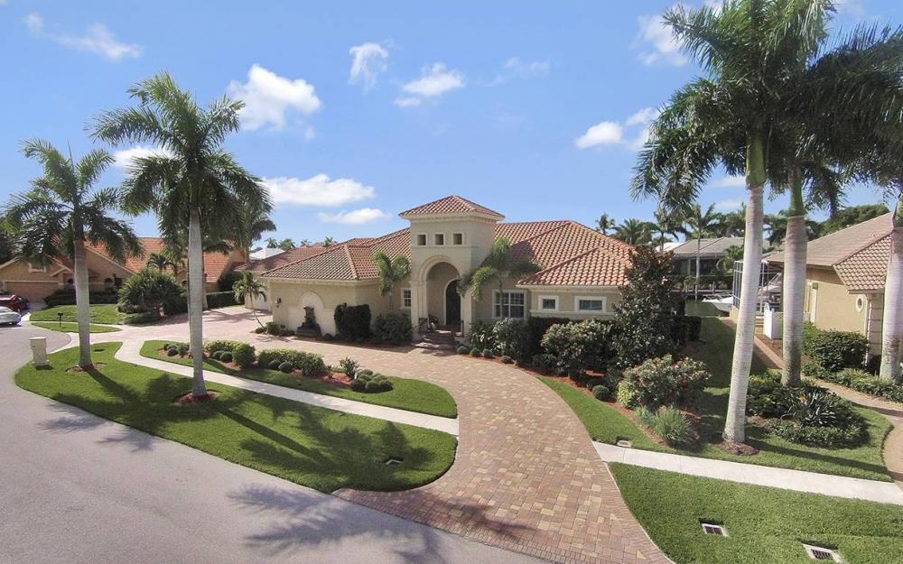 1881 Cascade Ct, Marco Island - House For Sale 422809178