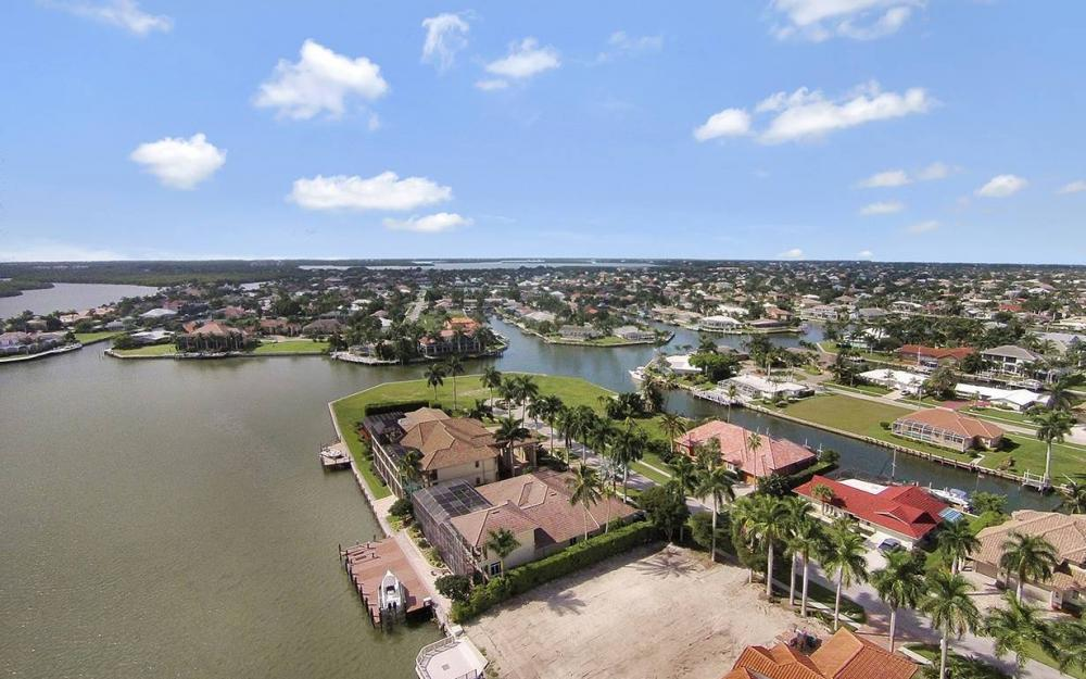 1881 Cascade Ct, Marco Island - House For Sale 1970927696