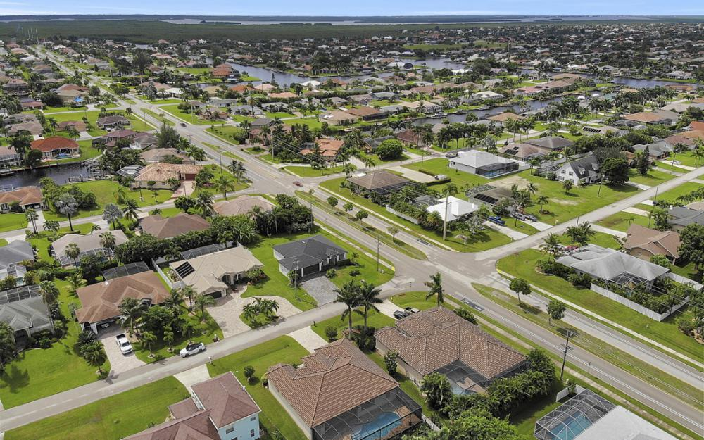 4805 SW 24th Ave Cape Coral - Home For Sale 533086481