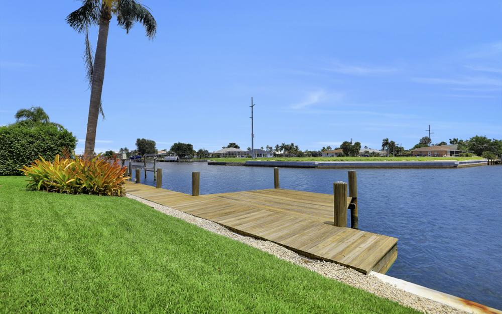 807 Rose Ct, Marco Island - Home For Sale 68887906