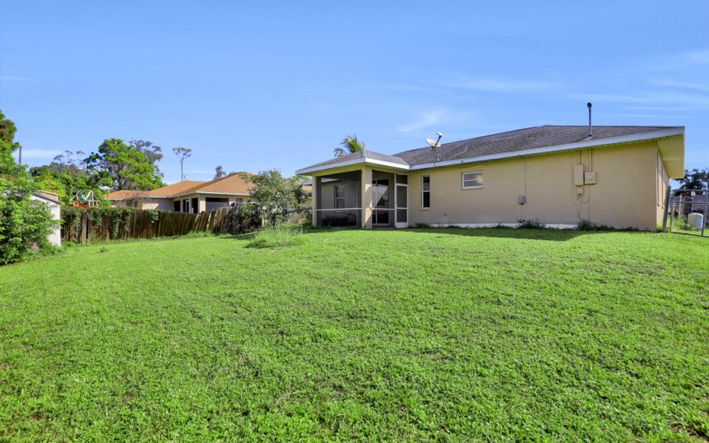 18480 Sunflower Rd Fort Myers - Home For Sale 175536624