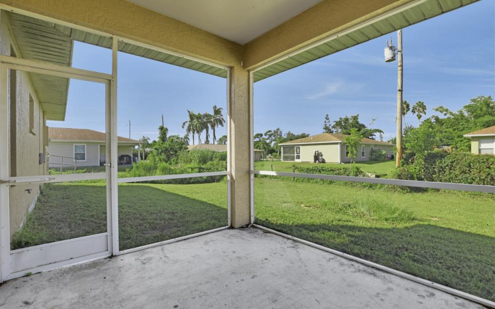 18480 Sunflower Rd Fort Myers - Home For Sale 1754971516