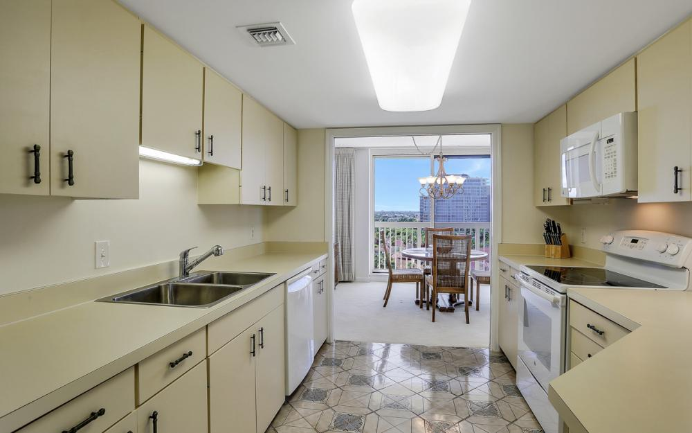 4901 Gulf Shore Blvd N #1004 - Condo For Sale 778938819