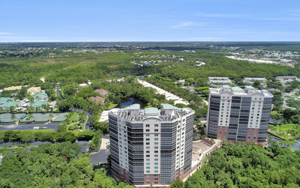 445 Cove Tower Dr #704, Naples - Condo For Sale 1730973982