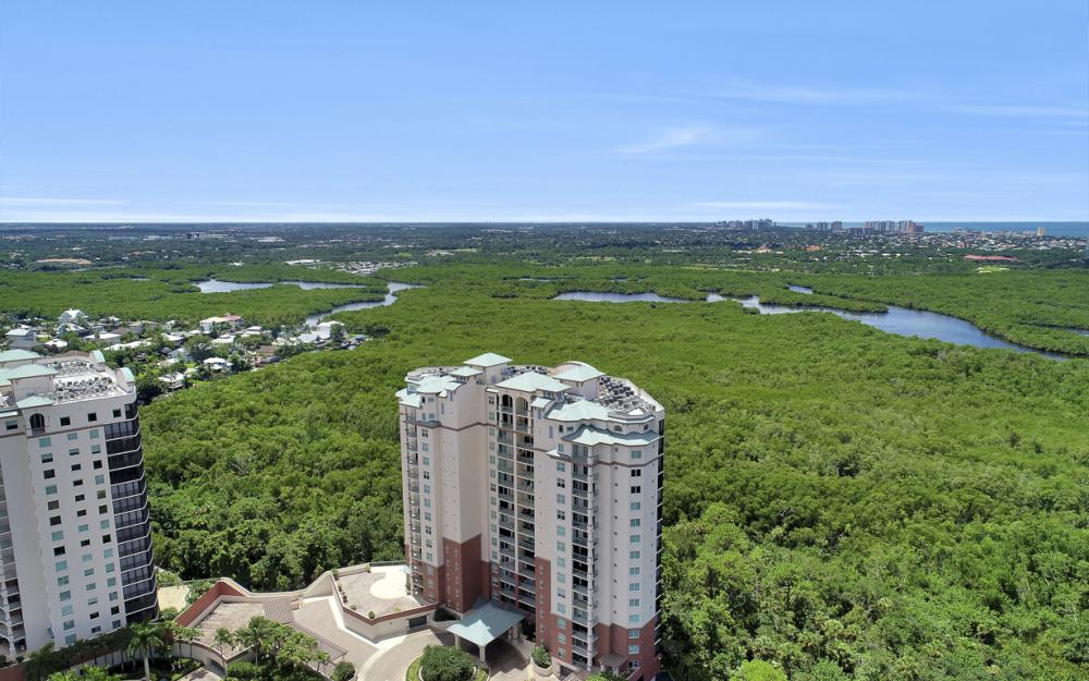 445 Cove Tower Dr #704, Naples - Condo For Sale 782529419