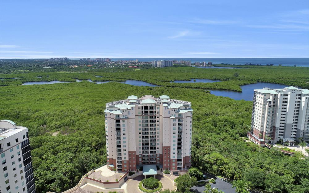 445 Cove Tower Dr #704, Naples - Condo For Sale 168563040