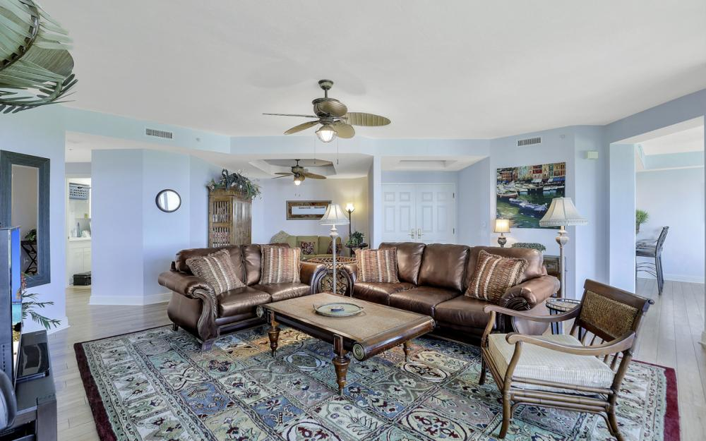 445 Cove Tower Dr #704, Naples - Condo For Sale 591325698