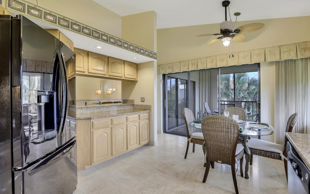 16540 Heron Coach Way #405, Fort Myers - Condo For Sale 95906974