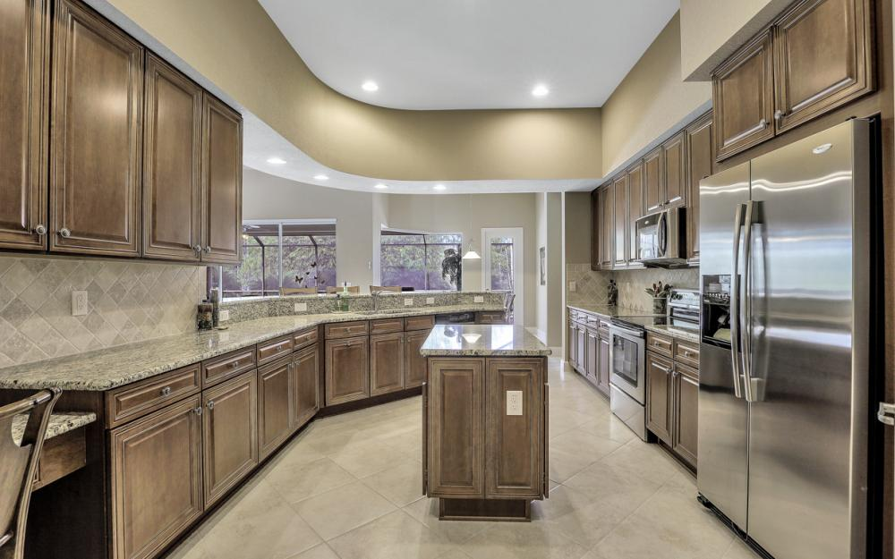 12932 Kingsmill Way, Fort Myers - Home For Sale 1810636977