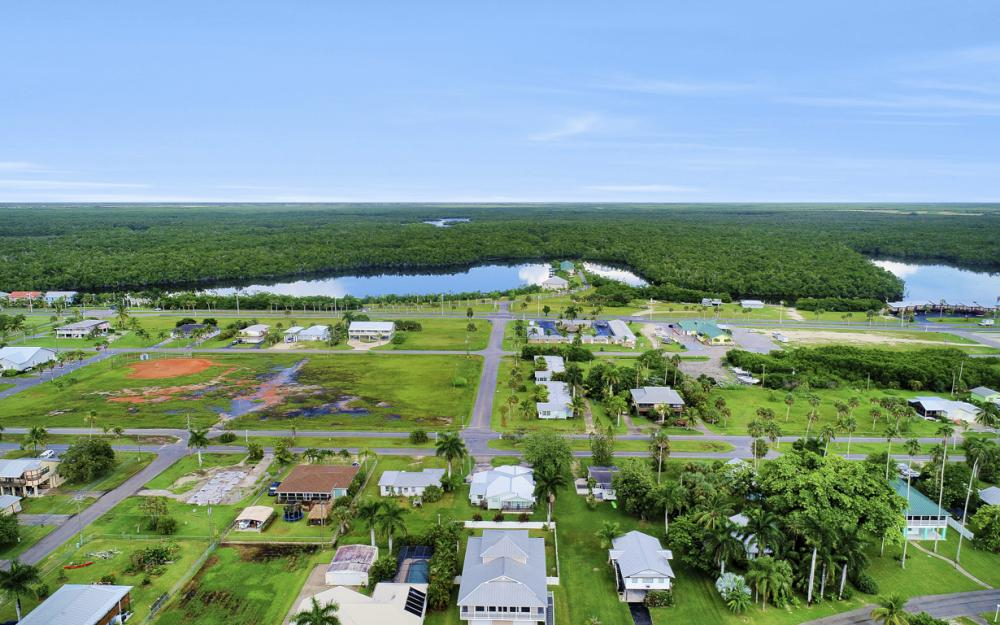 316 N Storter Ave, Everglades City - Home For Sale 570425543