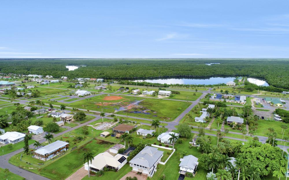 316 N Storter Ave, Everglades City - Home For Sale 2113785713
