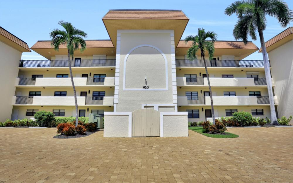 910 Huron Ct #103 Marco Island - Condo For Sale 1868178173